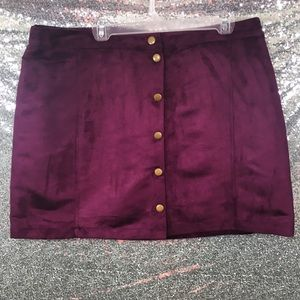 NWT Old Navy Faux Suede Size 16